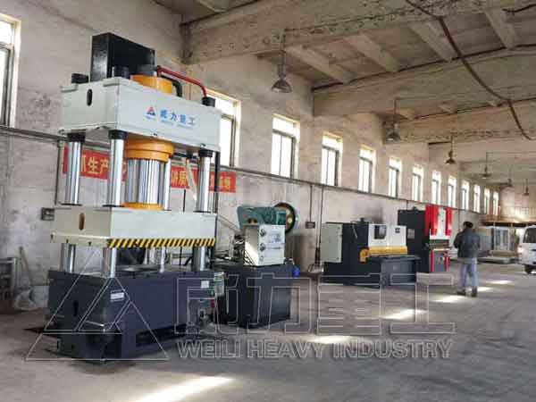不锈钢水箱板冲压加工成套设备厂家